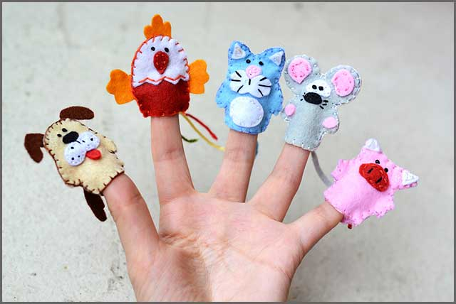 Finger puppets made of felt
